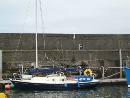 Maridadi moored to pontoon at Maidens Harbour for the winter 2011/2012